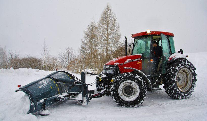 traktor-zima